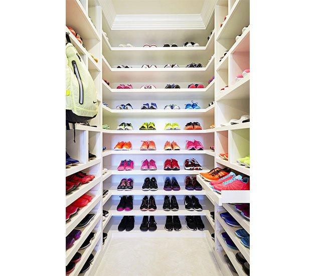 Must See Khloe Kardashians Fitness Closet